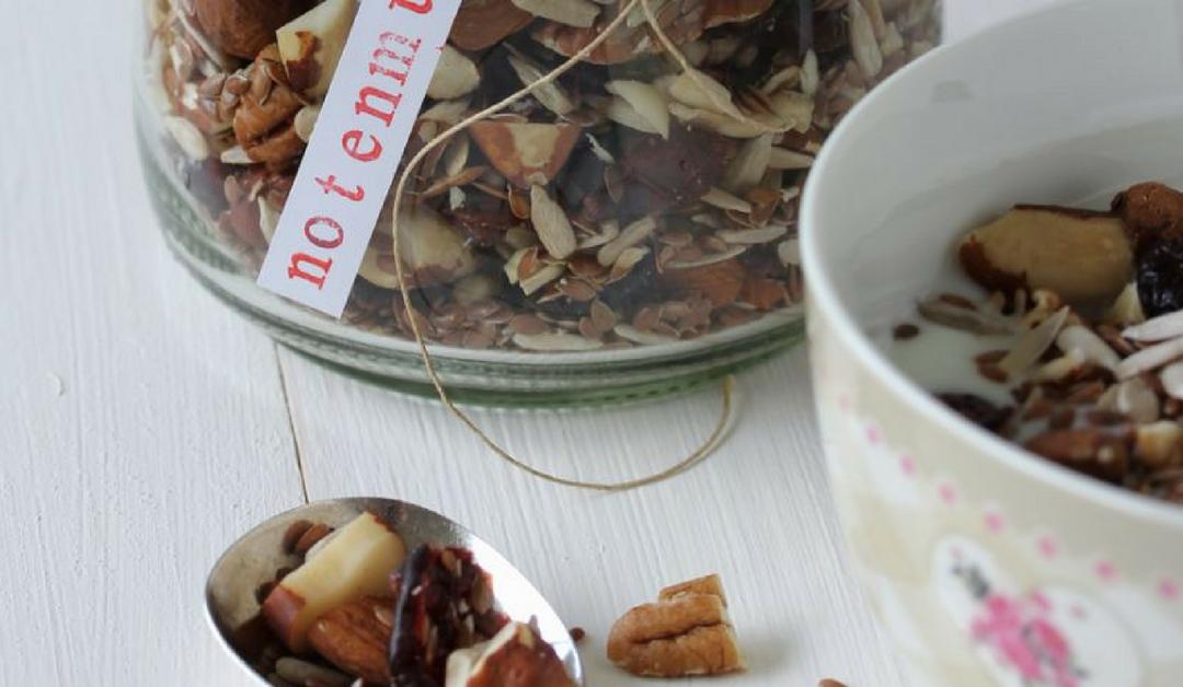 Zelfgemaakte notenmuesli